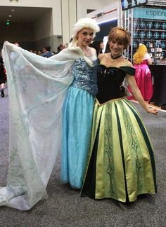 Pin for Later: The Absolute Best Cosplays From Comic-Con 2015 Elsa and Anna