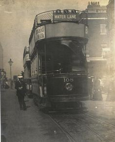 A London tram on route to Brixton Water Lane in 1905 (18 Stafford Collection)