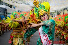 Get ready for the SINULOG FESTIVAL Start booking your flights and hotel accommodation and witness the Queen City of the South's grandest event. Sinulog Festival, Cebu City, Festival 2016, Flight And Hotel, Queen, Holidays, Activities, Travel, Holidays Events