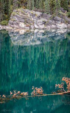 Horseshoe Lake (by WherezJeff)