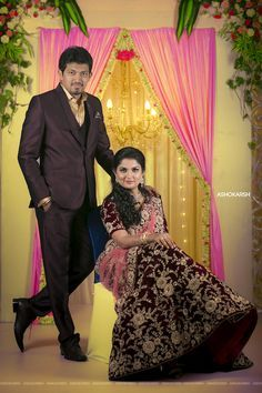 What is Special about Digital Wedding Photography? Indian Wedding Poses, Indian Wedding Pictures, Indian Wedding Couple Photography, Indian Wedding Receptions, Couple Photography Poses, Photography Ideas, Indian Reception, Wedding Mandap, Outdoor Photography