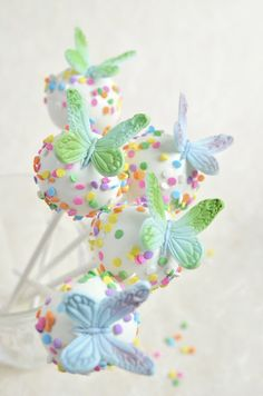 Butterfly cake pops                                                                                                                                                      More