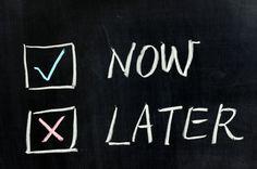 Cum poți opri procrastinarea în 2 pași…mărunți!