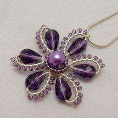 Collar de flor de color púrpura alambre por AnnaWireJewelry en Etsy