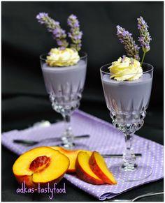 Po levandulovej zmrzline vam prinasam tip na jeden maly levandulovy dezert. Konzistenciou je to skor nieco na sposob panna cotty a...