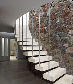 Image 20 of 25 from gallery of Ronda House / Marina Vella Arquitectura Urbanismo. Decor Interior Design, Interior Decorating, Interior Designing, Modern Interior, Archdaily Mexico, Stairways, Architecture Design, House Plans, Peru