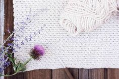 Learn how to crochet the moss stitch with this beginner-friendly video tutorial. Perhaps you know the moss stitch by the name the linen stitch, the woven stitch or the granite stitch--either way, it's beautiful and easy to master!