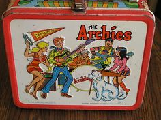 101 Vintage Lunch Boxes That Will Make You Want To Be A Kid Again. Every kid wanted these metal lunch boxes. Paper bags just wouldn't do in the Retro Lunch Boxes, Lunch Box Thermos, Cool Lunch Boxes, Metal Lunch Box, Sweet Memories, Childhood Memories, Vintage Books, Vintage Stuff, Vintage Tins