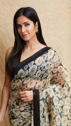 Bollywood Style Designer Saree Digital Printed Saree With Designer Border Paryt Wear Saree - Excited to share the latest addition to my shop: Bollywood Style Designer Saree Digital Printed Saree With Designer Border Paryt Wear Saree Source by - Most Beautiful Bollywood Actress, Beautiful Actresses, Bollywood Saree, Bollywood Fashion, Indiana, Katrina Kaif Hot Pics, Katrina Kaif Photo, Francisco Lachowski, Indian Celebrities