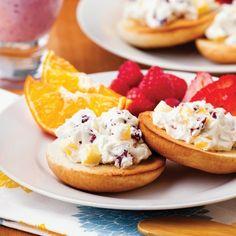 Bagel matinal - Recettes - Cuisine et nutrition - Pratico Pratiques Bagels, Nutrition, Smoothies, Cheesecake, Breakfast, Health, Desserts, Magazines, Ainsi