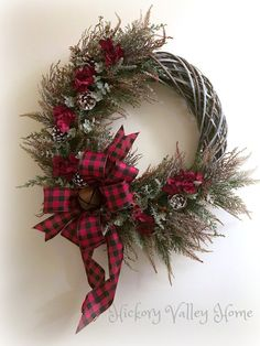 Winter decor Rustic – Christmas Wreath, Holiday Wreath, Rustic Wreath, Grapevine…, Easy and Fun DIY Dollar Store Christmas Decorations – Grapevine Wreath Diy Christmas Decorations Easy, Christmas Door Wreaths, Christmas Scenes, Noel Christmas, Holiday Wreaths, Rustic Christmas, Holiday Decor, Grapevine Christmas, Grapevine Wreath
