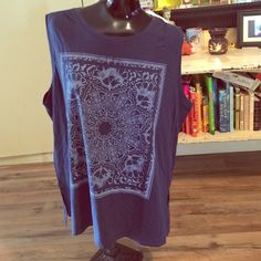 NWT mandala muscle tank Size xl cute boho tank with slits on sides, cute with jeans! Old Navy Tops Muscle Tees