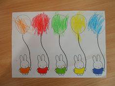 Zoek dezelfde kleur. Evt een ballon van papier erbij laten plakken i.p.v. de ballon kleuren.