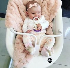 Cute Little Baby, Baby Kind, Cute Baby Girl, Little Babies, Cute Babies, Cute Baby Pictures, Everything Baby, Baby Family, Cute Baby Clothes