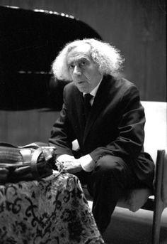 Száz éve született Faludy György - KönyvesBlog Authors, Writers, Flowers For Algernon, Extraordinary People, Crop Circles, Celebrity Gallery, Good Old, Great Books, Poet