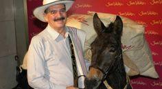 Juan Valdez abre su primera tienda en Kuwait . http://www.semana.com/nacion/articulo/juan-valdez-abre-su-primera-tienda-en-kuwait/365320-3?hq_e=el&hq_m=254503&hq_l=27&hq_v=3269c9ea30