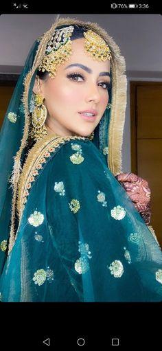 Sana Khan, Emma Watson, Sari, Crown, Bride, Fashion, Saree, Wedding Bride, Moda