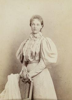 Princesse Isabelle d'Orléans (1878-1961) fille du prince Philippe, comte de Paris et de l'infante Maria Isabel d'Espagne .