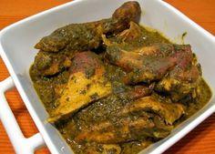 Aujourd'hui, NegroNews vous propose dedécouvrir un plat traditionnel congolais à base de feuilles de manioc pilées et de sauce graine (pulpe de fruits de palmier à huile). INGRÉDIENTS : 1 po…