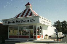 restaurant vintage Kentucky Fried Chicken in the old days before KFC. Sweet Memories, Childhood Memories, American Fast Food, American Diner, Restaurants, Kentucky Fried, Vintage Restaurant, Old Signs, Kfc
