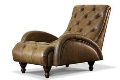 """Кресло в классическом стиле. Обивка полностью в натуральной итальянской коже Old Camel с """"эффектом под старину"""". Декорировано мебельными гвоздями старое олово и буковыми точеными ножками с покрытием под темный дуб."""