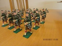 HOLLOW CAST MARCHING HIGHLAND REGIMENT LIGHT INFANTRY PIPERS BRITAINS TYPE | eBay