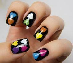 decoración de uñas de corazones