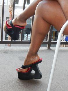 WOODEN PLATFORM Thongs Sexy Legs And Heels, Hot High Heels, Platform High Heels, High Heels Stilettos, Shoes Heels, Beautiful High Heels, Gorgeous Feet, Beautiful Legs, Big Legs