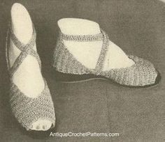 Evening Sandals - Free Crochet Pattern - so cute but where do you find the soles these days? Crochet Sandals, Crochet Boots, Crochet Slippers, Crochet Clothes, Knit Shoes, Sock Shoes, Crochet Flip Flops, Crochet Slipper Pattern, Vintage Crochet Patterns