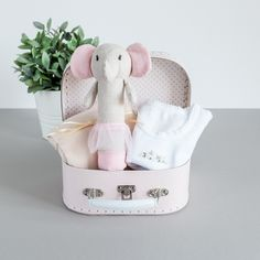 5d485b60b 19 Best The 20 best Baby Shower Gift ideas images