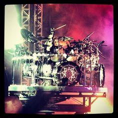 slipknot. They always had a sick drummer :)