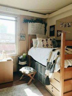 87 cute dorm room ideas for girls that you need to copy 28 College Dorm Room Ide. 87 cute dorm room ideas for girls that you need to copy 28 College Dorm Room Ideas Copy Cute dorm g College Bedroom Decor, Cool Dorm Rooms, College Dorm Rooms, College Girls, College Life, Dorm Design, Dorm Room Designs, Interior Design, House Design
