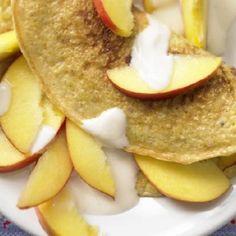 Lekki omlet jaglany z jablkiem i jogurtem