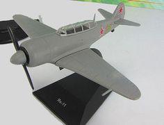 "Yak-11 DeAgostini Soviet trainer aircraft  mod & mag №30 ""LEGENDARY AIRCRAFT''"