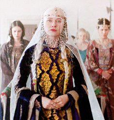 Morgan Le Fay, Avatar, Fantasy Gowns, Beautiful Costumes, Naomi Watts, Medieval Fashion, Movie Costumes, Period Dramas, Movies Showing