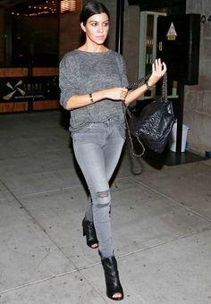 Kourtney Kardashian looks are usual casual chic - we love her style Kourtney Kardashian, Estilo Kardashian, Kardashian Style, Vestido Kendall Jenner, Kendall Jenner Bikini, Kendall Jenner Outfits, Mein Style, Mode Vintage, Casual Fall Outfits
