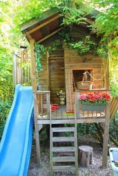 boomhut van opa Piet - All For Garden Kids Outdoor Play, Outdoor Play Spaces, Backyard For Kids, Backyard Chickens, Backyard Playhouse, Backyard Playground, Play Houses, Backyard Landscaping, Garden Inspiration