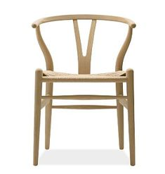 Carl Hansen Wishbone Chair - Wood designed by Hans Wegner - The Wishbone Chair, was designed by Hans J.Wegner in Manufactured by Carl Hansen & Son in Denmark the Wishbone Chair is every inch the Danish design classic. Plywood Furniture, Furniture Design, Modern Furniture, Wood Chair Design, Timber Furniture, Futuristic Furniture, Furniture Chairs, Chaise Chair, Product Design