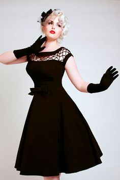 50s dress I would totally wear this! Just gotta get rid of my loafs of bread around my waist. Lol!