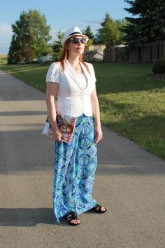 Tuesday's OOTW – Funky Pants So glad to be sharing my first OOTW (Outfit Of The Week) in over two years. YAY!! I did wear other things in that time, I just didn't put them up on our blog. And you would've been pretty bored because I wore mostly... http://clothesbutnotquite.com/tuesdays-outfit-of-the-week/tuesdays-ootw-funky-pants/