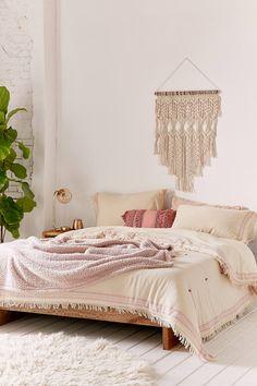 Slide View: 1: Myra Raw Edge Comforter