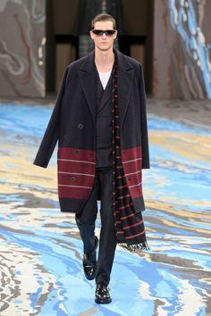 Mode à Paris FW 2014/15 – Louis Vuitton See all the catwalk on: http://www.bookmoda.com/sfilate/mode-a-paris-fw-201415-louis-vuitton/#imgID-68065 #paris #fall #winter #catwalk #menfashion #man #fashion #style #look #collection #modeaparis @Louis Vuitton Official