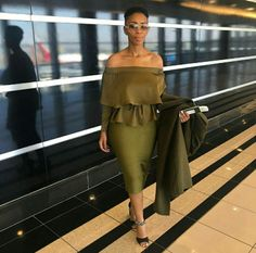 💚 Mafikizolo songstress is Airport Chic Church Attire, Church Outfits, Church Clothes, Sexy Outfits, Cool Outfits, Formal Outfits, Airport Chic, Classy Men, African Fashion Dresses