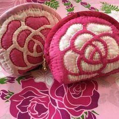 ロケラニポーチ出来上がりました ピンクのバラはやっぱり可愛いです #ハワイアンキルト #ロケラニポーチ