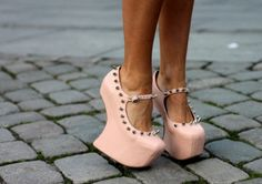 Spikes and pale pink