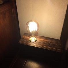 Wood block with edison lamp