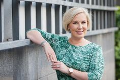 """Today we have the """"singing lawyer"""" Elina Koivumäki with us. In this interview, she shares with us her upcoming event Henkilöbrändäys. Enjoy!"""