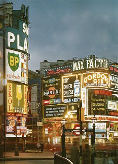 Piccadilly Circus, London, England, From the John Hinde Collection. Piccadilly Circus, Old London, Vintage London, 1960s Britain, Great Britain, England Uk, London England, Leeds, Route 66