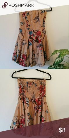 🆕 Strapless Floral Mini Dress 💖 With a pretty nice full skirt! Comes with straps to hang it with, I bought it and never got around to wearing it because it was a little too small around the bust. Says a Large but I think it fits a Medium best. Almost like new! Save some 💰 by bundling 2 or more items! 💕 Shasa Dresses Mini