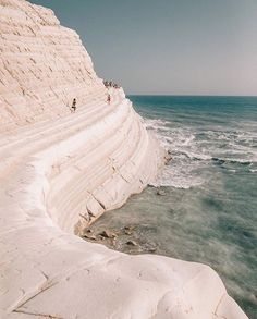 travel and wanderlust inspiration The Places Youll Go, Places To See, Places To Travel, Travel Destinations, Travel Tips, Travel Abroad, Travel Essentials, Solo Travel, Travel Ideas